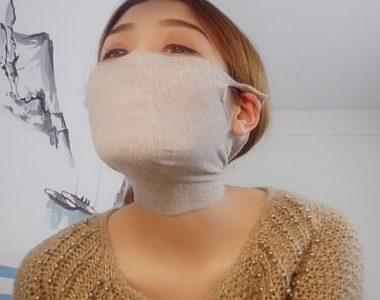 中国人女性の自作マスク姿