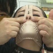 パンティマスクと鼻フックで視姦