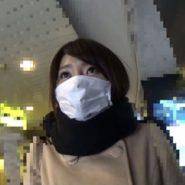 プリーツマスク姿の主婦の画像