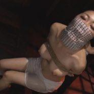 ウォーターボーディングで窒息しかける女性の画像