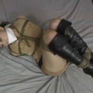 完全緊縛拘束と猿轡をされたロングブーツの女