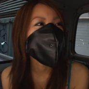 黒い革製のレザーマスクをつけられ拘束される美人ギャル。マスクボンデージ