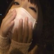 ショートカッのマスク美人/マスク美女・小倉ゆず。マスクの下にはボールギャグの口枷がされている!
