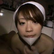 あごにマスクをずらした美人看護婦と生ハメ中出しセックス