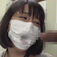 ボールギャグ+マスク!マスクの窪んだ口元に無理やりチンコを挿入しフェラ