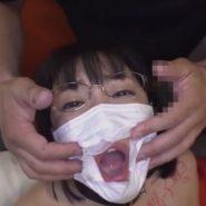 マスクフェラからの口内射精でザーメンをごっくんする変態人妻調教