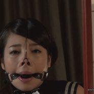 セルフボンデージで猿轡と鼻フックをしその上からマスクをして隠す変態女子大生・中里美穂