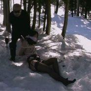 裸で縛られ猿轡をされ雪の中を引きずり輪姦される人妻虐待調教