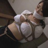 マゾ女優の篠田あゆみが縛られ猿轡をされ調教される