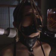 猿轡マスクをつけられボンデージ拘束された篠田あゆみ