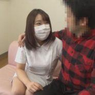 むっちり巨乳なマスクの歯科助手のはちきれそうな白衣