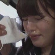 痴漢にマスクを奪われてしまう花粉症で鼻水ジュルジュルの女子校生