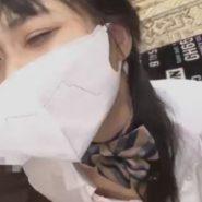 マスクをしたままフェラチオ調教を仕込まれる制服のJK