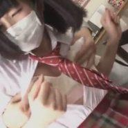 清掃業者がプリーツマスクの女子校生を襲ってレイプしている画像