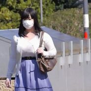 プリーツマスクをしたKカップの巨乳人妻の私服画像