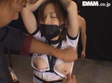 防声具・防声マスクを口につけられ拘束調教される女子校生・今井つかさ