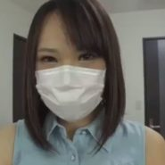 つり目で巨乳なかわいいマスク美人