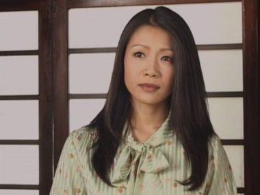 熟女・友田真希とその色っぽい唇