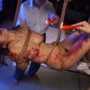 ロウソク責めで体を赤く染められ調教される友田真希