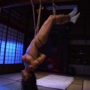逆さ吊り緊縛でSM調教された熟女