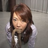 メス犬SM調教で縄を咥える麻生岬