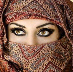 マスクフェティシズムにおけるフェイスマスクの意味のベールの画像