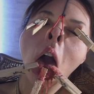 美熟女の顔面陵辱調教
