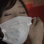 石原莉奈のマスクを取る・外すシーン