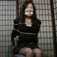 人妻の拘束監禁:着衣緊縛ボンデージ