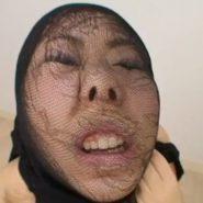 顔にパンストを被せる顔スト陵辱プレイ