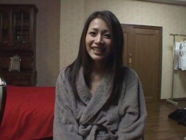 巨乳熟女友田真希のAV・エロ動画