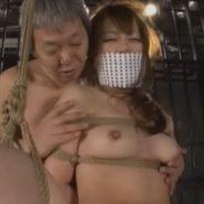 小嶋世奈を口被せの猿轡と緊縛でお仕置き調教