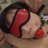 目隠しとボールギャグの口枷拘束された富田優衣