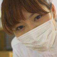 我慢汁と唾液で汚れたマスクをする巨乳看護婦