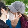 美谷朱里のマスクをしたままキス・マスク越しにキスのAV動画レビュー