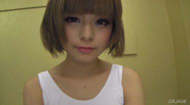 金髪ショートカットの美人AV女優・月乃ルナ