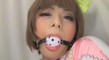 金髪ショート女子のボールギャグ猿轡の画像