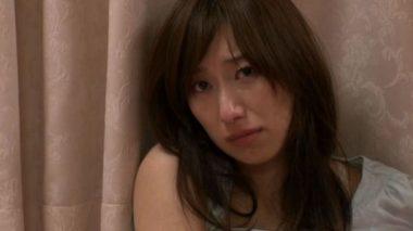 レイプ・強姦されて涙を流して泣く西尾かおり