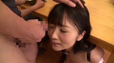大槻ひびきの精子を顔にぶっかける