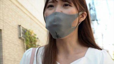 イラマスクを装着した七宮ゆりあ