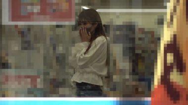 イラマスクをしてコンビニで買物ミッション