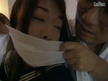 シネマジックの旧作ビデオの女教師に口被せ猿轡をするシーン