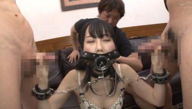 開口マスクそ装着されている黒崎さく