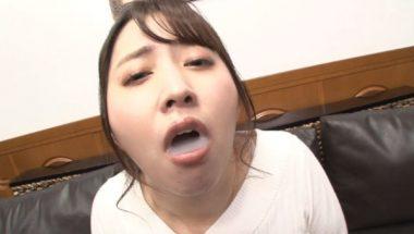 クチマンコ奴隷・桜木優希音の口いっぱいに含んだザーメン