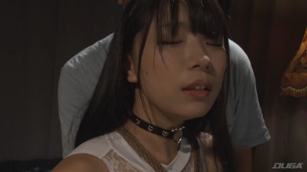 AV女優みひなの色っぽい表情