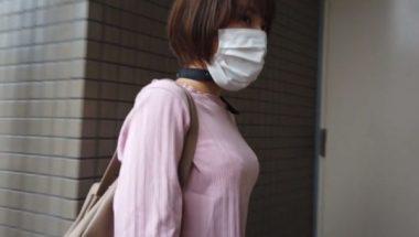 マスクでボールギャグを隠した志田紗希