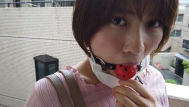 マスクの下に口枷を着けている志田紗希