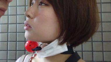 野外羞恥プレイ調教中の志田紗希