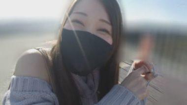 立体マスクをした佐伯由美香
