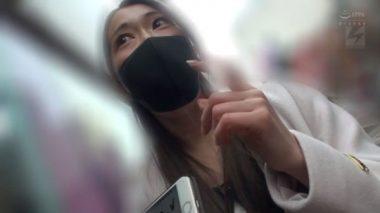 イラマスクをしているところをナンパされる佐伯由美香